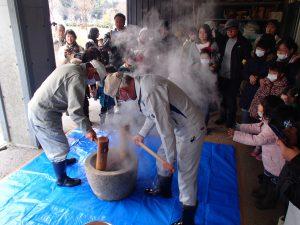 古津八幡山遺跡 弥生米の餅つき